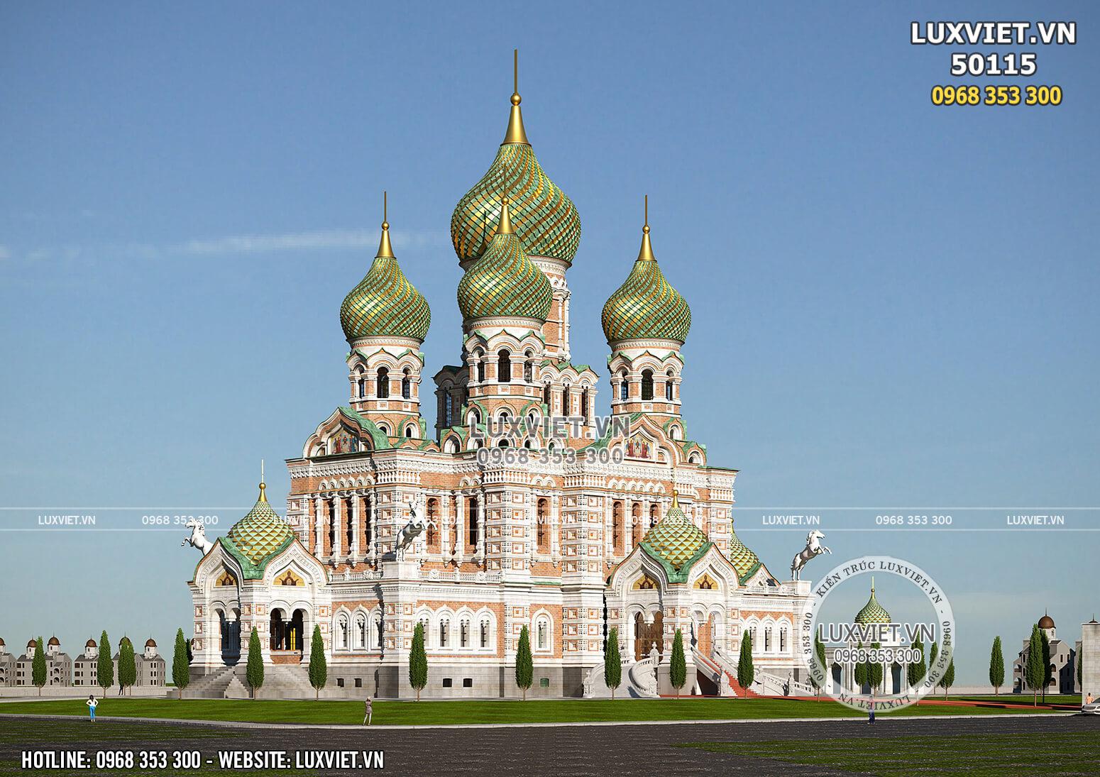 Hình ảnh: Kiến trúc độc đáo và bắt mắt của lâu đài - LV 50115